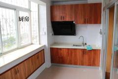 大理学院附属医院生活区3室2厅1卫110m²精装修